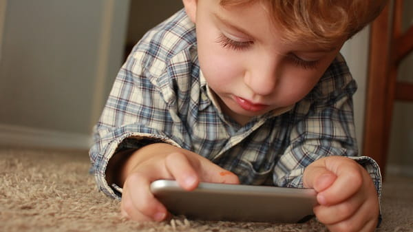 child addicted to online games