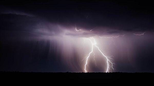 lightning-bolt-and storm