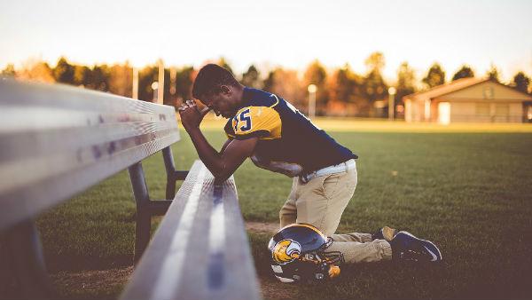 pray to God in hard time